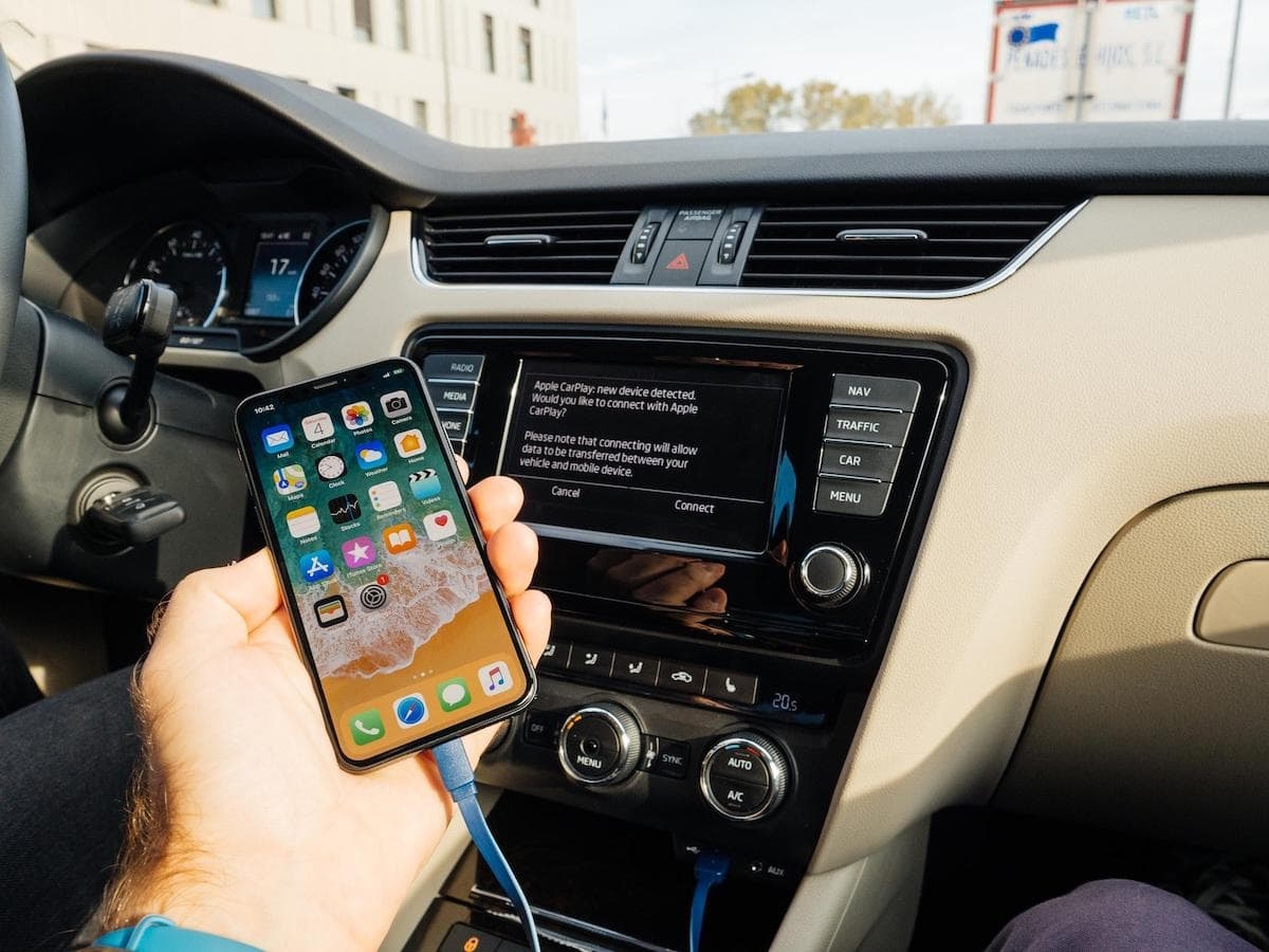 visuel equipements multimedia voiture quels avoir